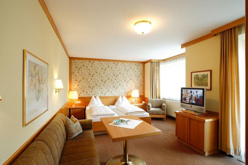 Luxury apartment double room addl bed shower wc hb 9248 bad hofgastein j2ski for Room spa bad