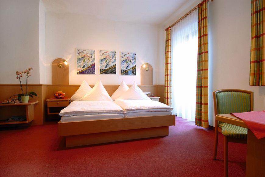 Slide2 - Hotel Mauth