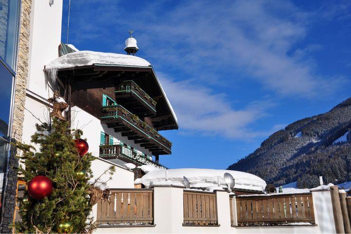haus wolf im alpine palace new balance