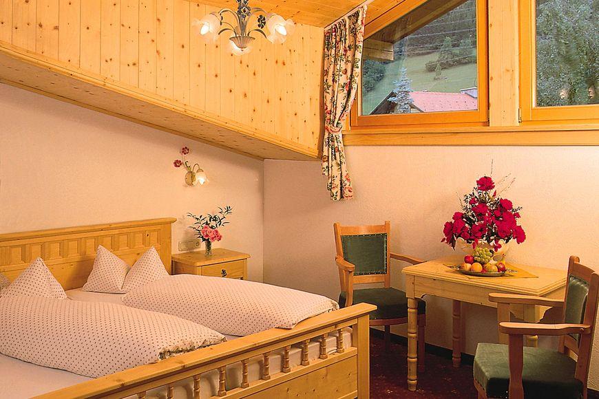 Slide2 - Hotel Basur