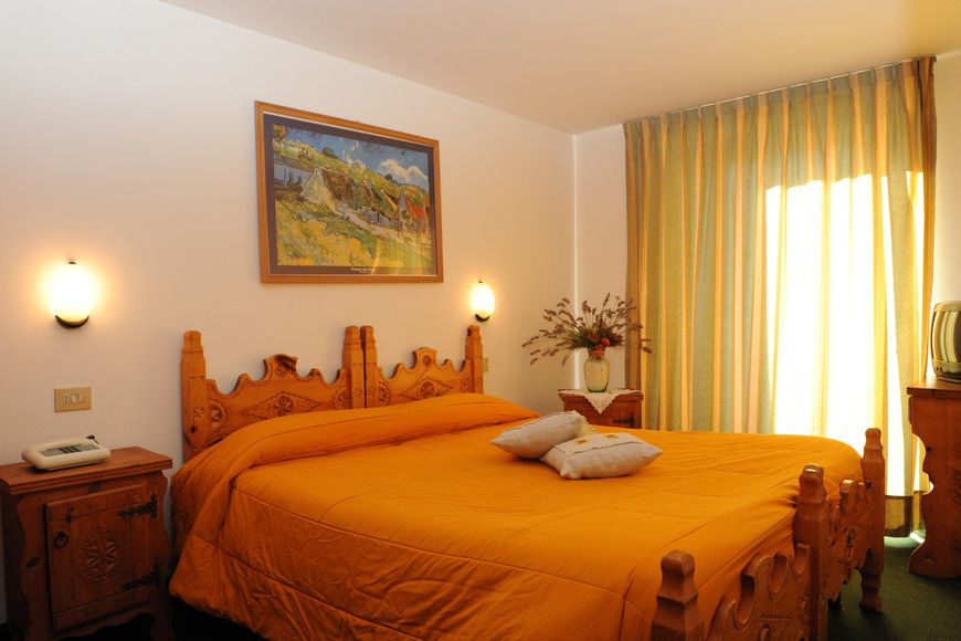 Double room/addl. bed, shower/wc, HB