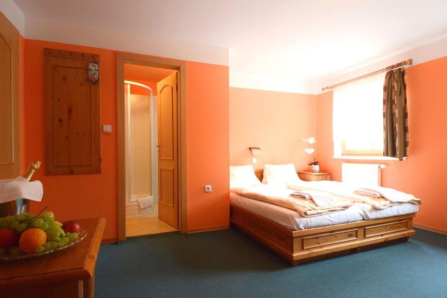 Slide2 - Hotel Vysluni