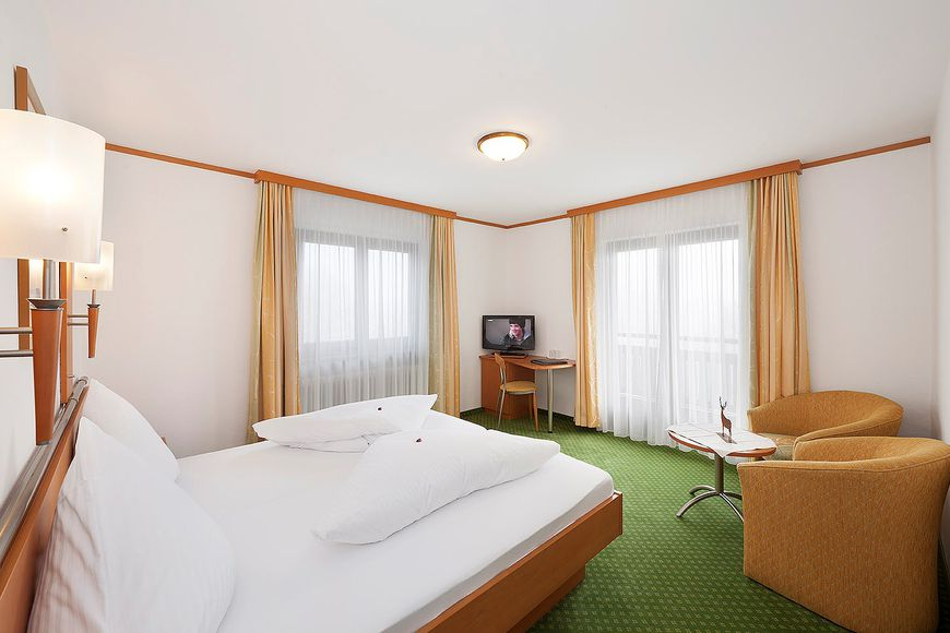 Slide2 - Hotel Tyrol
