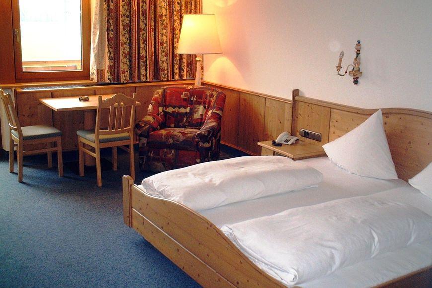 Slide2 - Hotel-Gasthof Zillertal