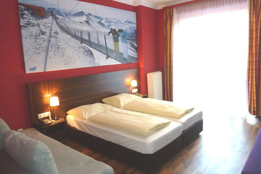 Slide2 - Hotel Mozart