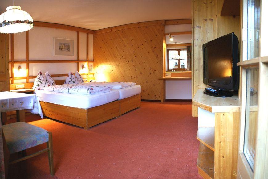 Hotel-Gasthof Zur Muhle - Slide 2