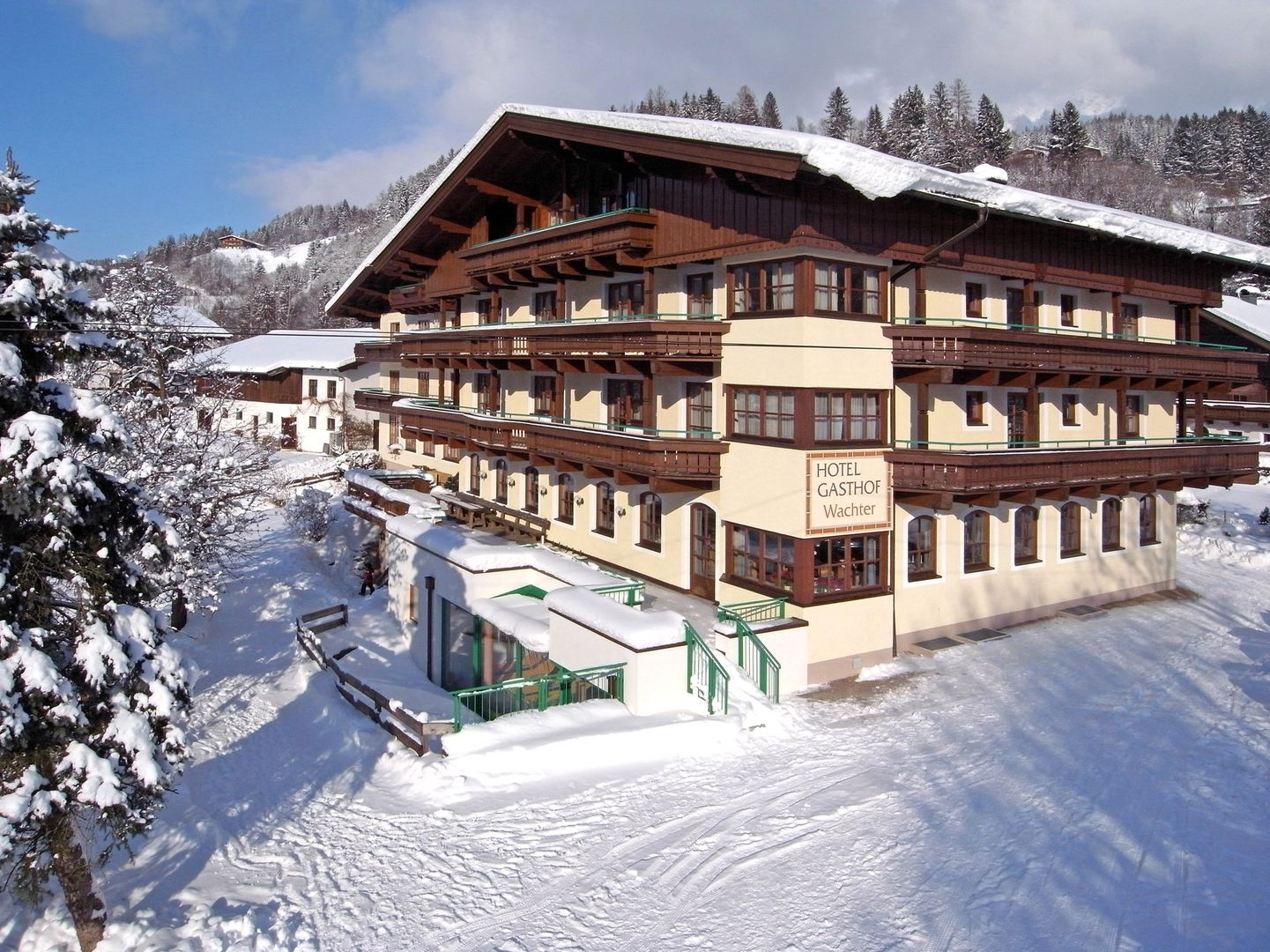 Hotel Gasthof Wachter - Slide 1