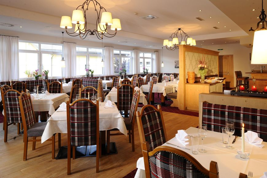 Slide4 - Hotel Restaurant Feldwebel