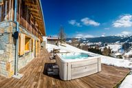 Ski hotels with jacuzzi - relaxation during your ski & winter holidays