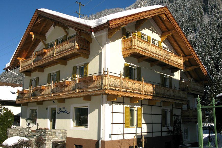 Slide4 - Hotel Strolz