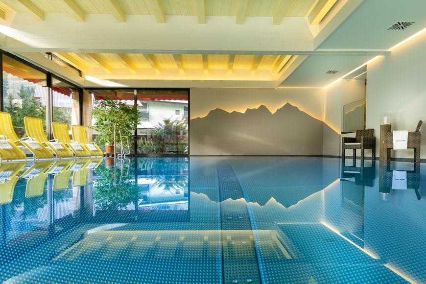 Hotel Alpina - Slide 4