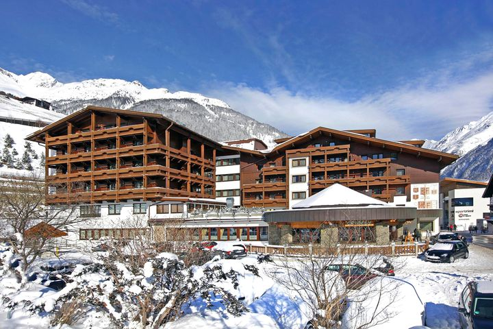 Luxury hotel hotel tyrolerhof s lden j2ski for Luxury hotels austria