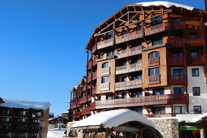 residence village montana