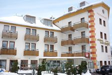 Hotel Engel (Ski Safari)