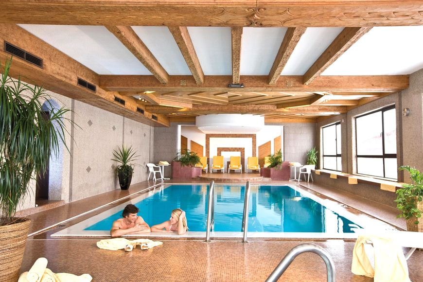 Hotel Almhof - Slide 3
