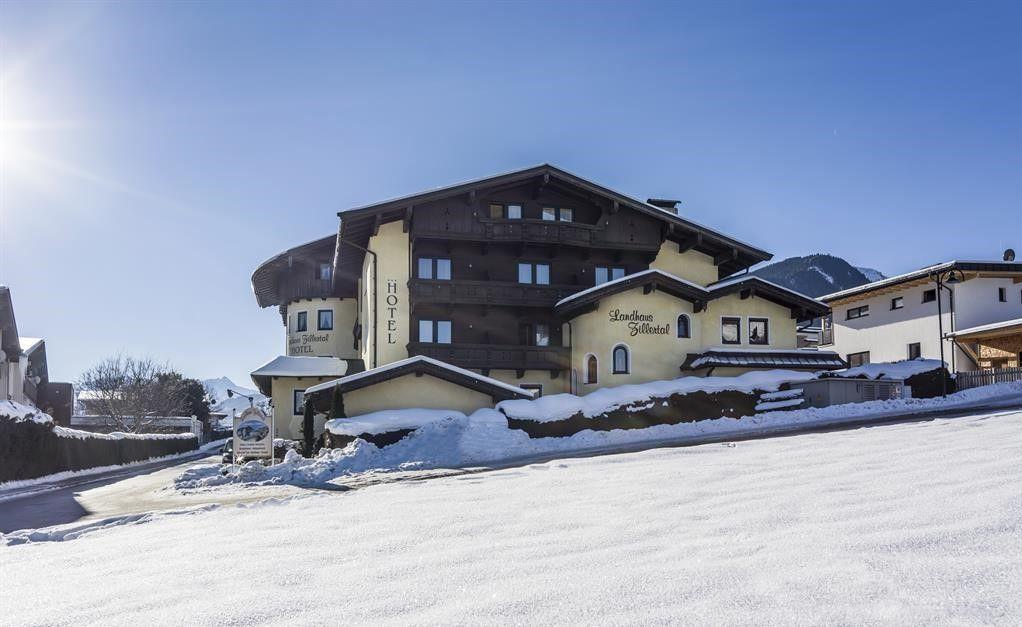 Slide1 - Hotel Landhaus Zillertal