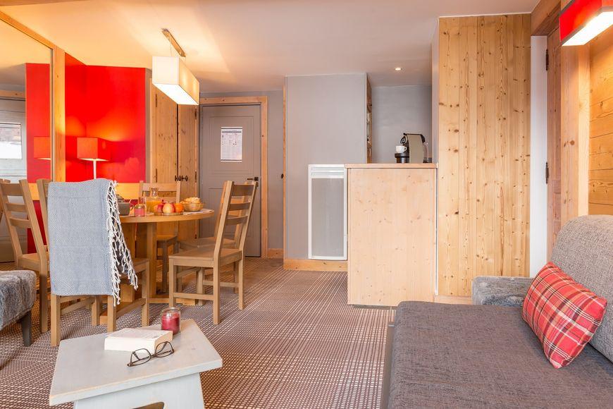 Self catered apartment apartment sleeps 4 15254 m ribel j2ski - Chalet pierre meribel ...
