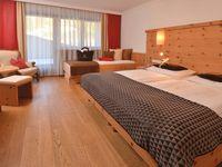 Doppelzimmer/2 Zustellb. Du/WC (Haupthaus, ca. 22 m²), HP PLUS