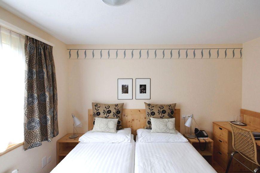 Single room/addl. bed, shower/wc, HB