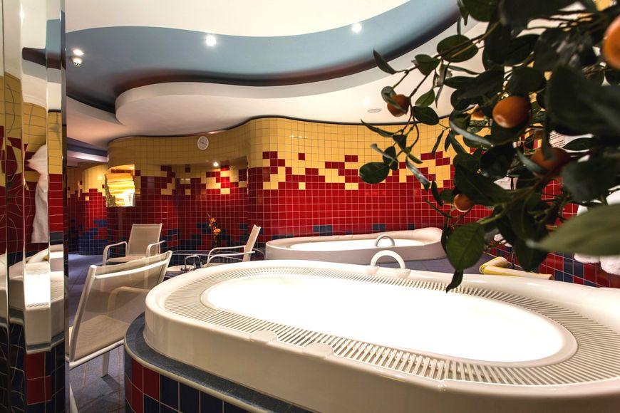 Slide3 - Hotel Lohmann