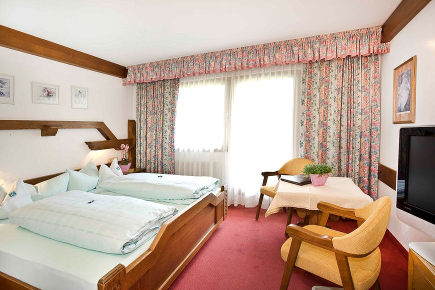 Alpine Hotel Fernau - Slide 2