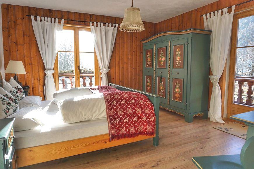 Slide2 - Hotel Schlosswirt