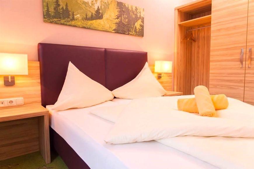 Hotel Der Salzburgerhof - Slide 3