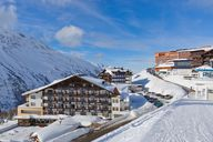 Ski holiday in a Club Hotel - entertaining family holiday with many extras