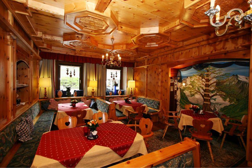 Slide4 - Holiday Hotel Alber Alpenhotel
