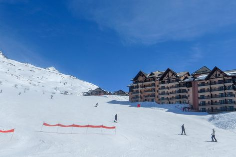 Ski hotels on the piste - a stone's throw to the ski area!