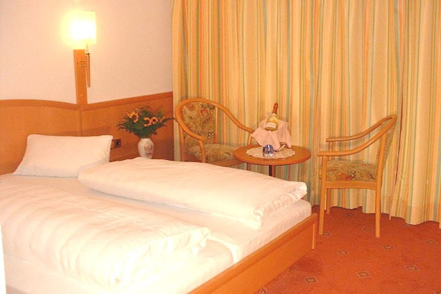 Slide2 - Hotel Berghof