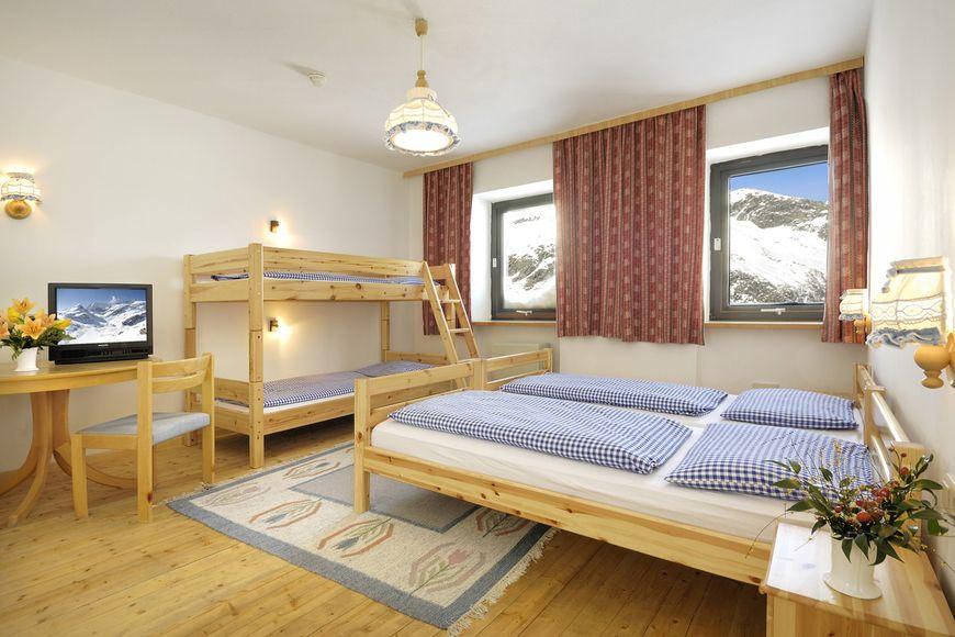 Doppelzimmer/2 Zustellb. Du/WC (Spartipp), HP_1