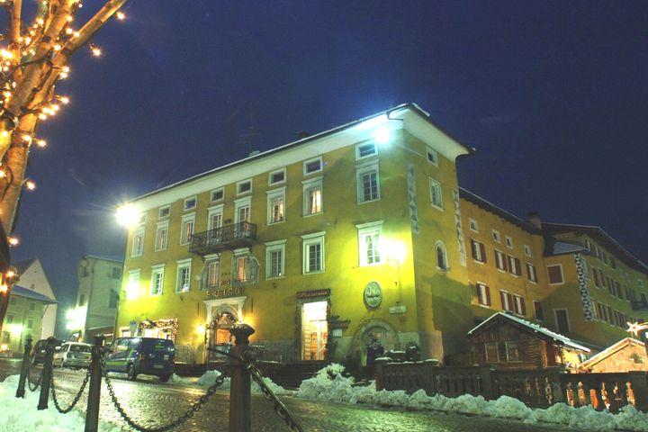 Slide1 - Romantic Hotel Excelsior