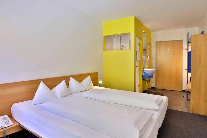 Einzelzimmer/Zustellbett Du/WC, HP