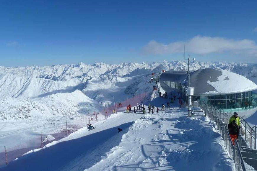 Slide4 - Pensions Pitztaler Gletscher