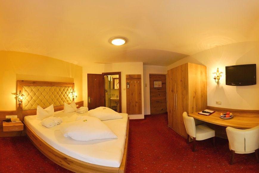 Slide2 - Hotel Habicht