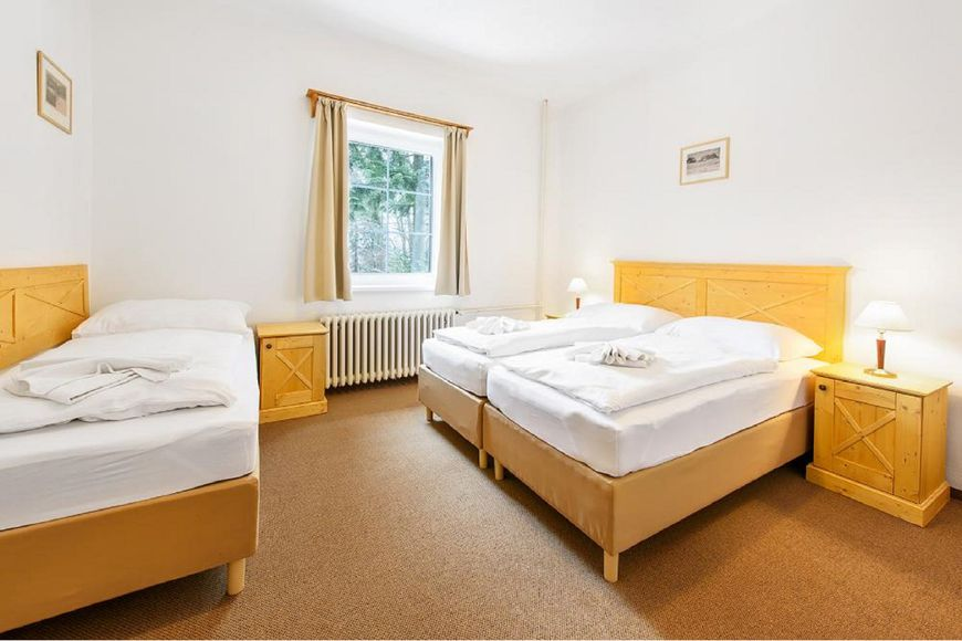 Double room/addl. bed, shower/wc