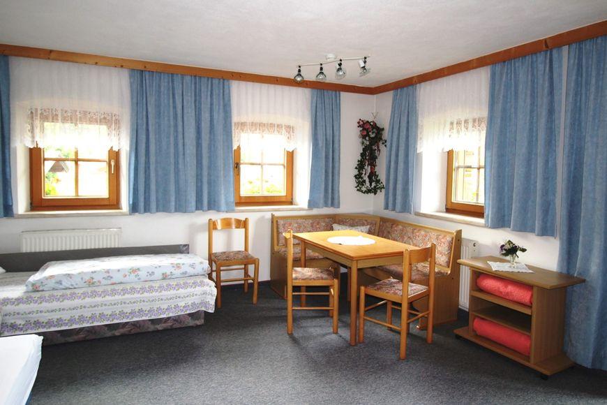 Slide3 - Bauernhaus Seppen