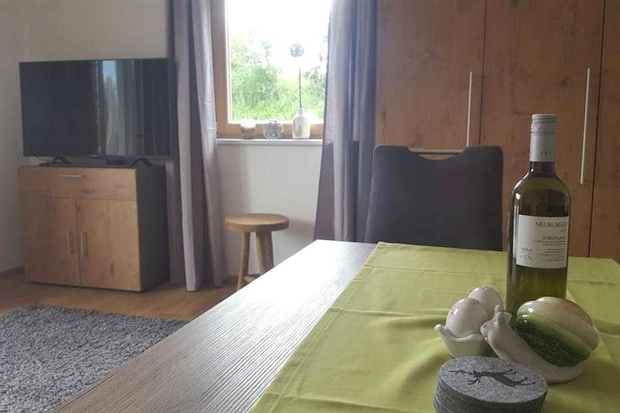 Apartment Viktoria - Slide 3