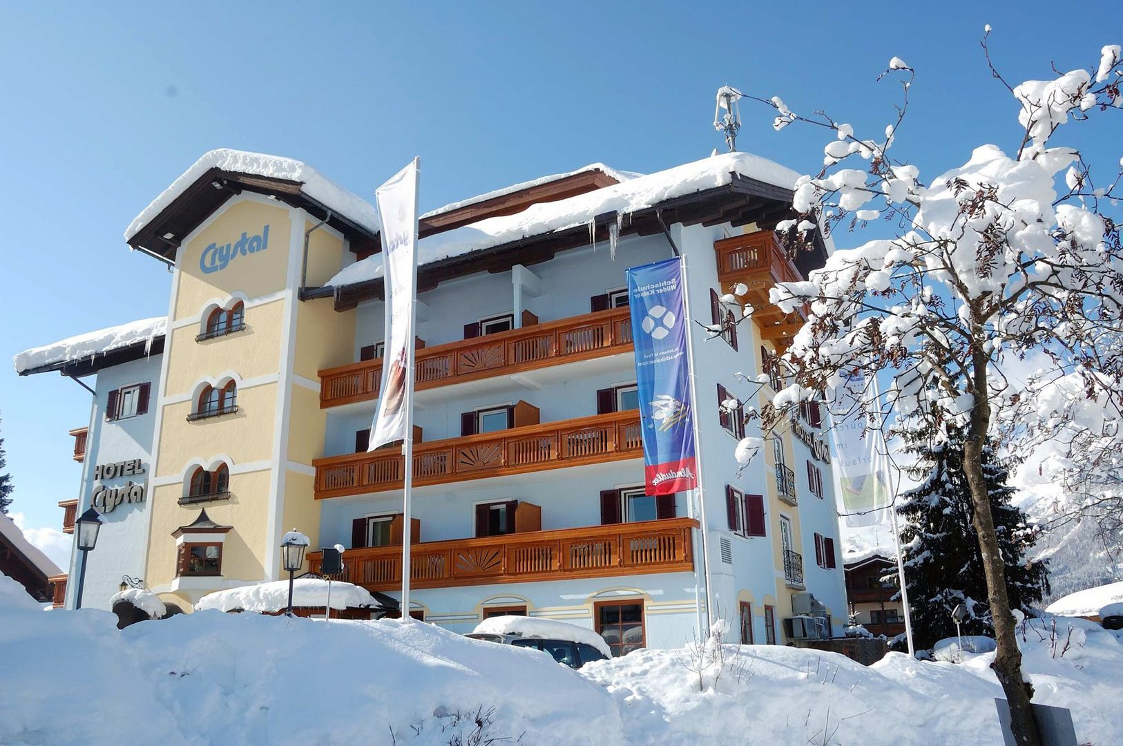 Slide1 - Hotel Crystal Das Alpenrefugium