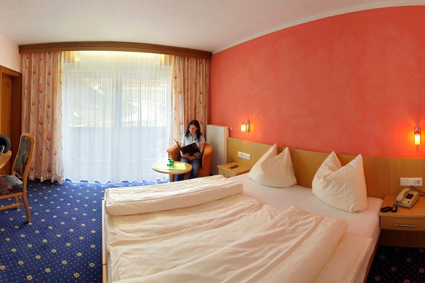Slide2 - Hotel Hubertus