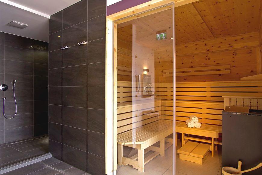Slide3 - Hotel Heigenhauser