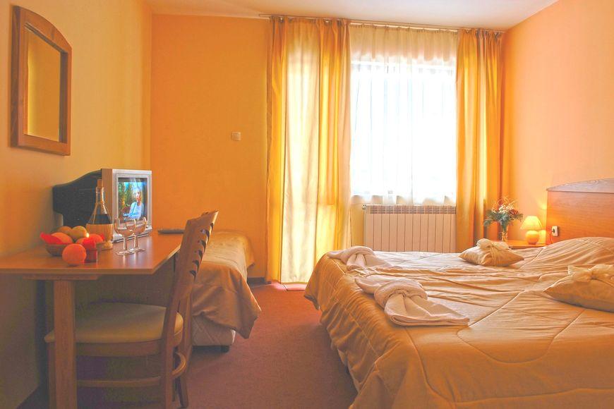 Slide2 - Pirina Club Hotel
