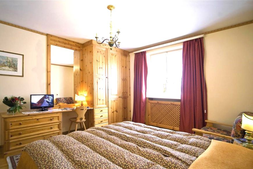 Double room, shower/wc