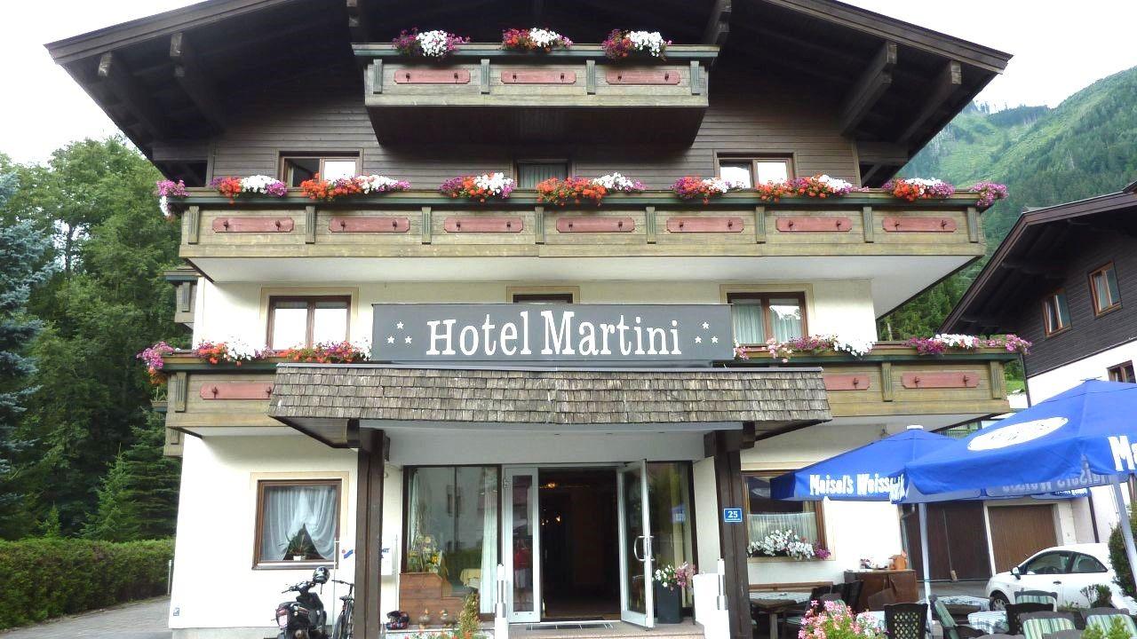 Hotel Martini - Slide 1