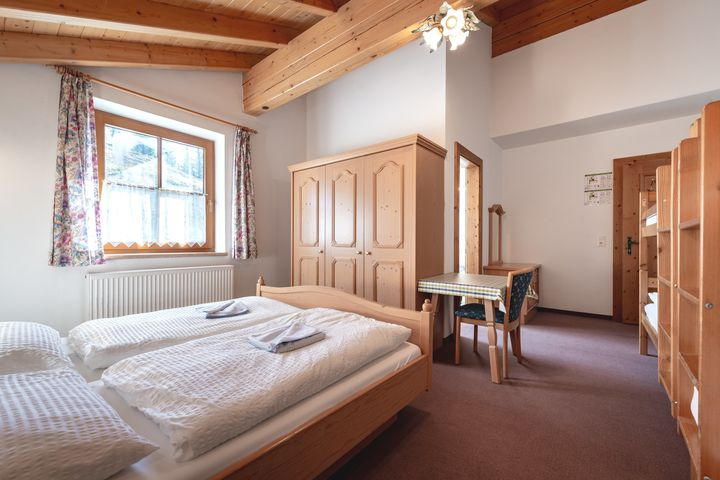 Familienzimmer Du/WC (ca. 25 m²), HP