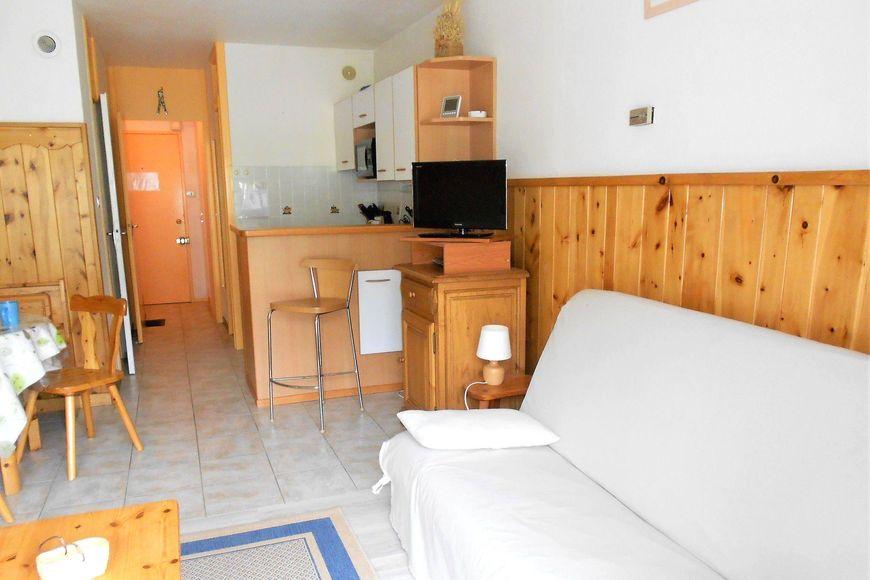 Apartment, sleeps 5