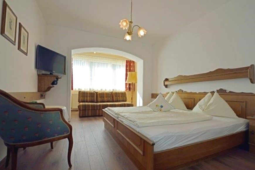 Slide2 - Hotel Lungotzer Hof