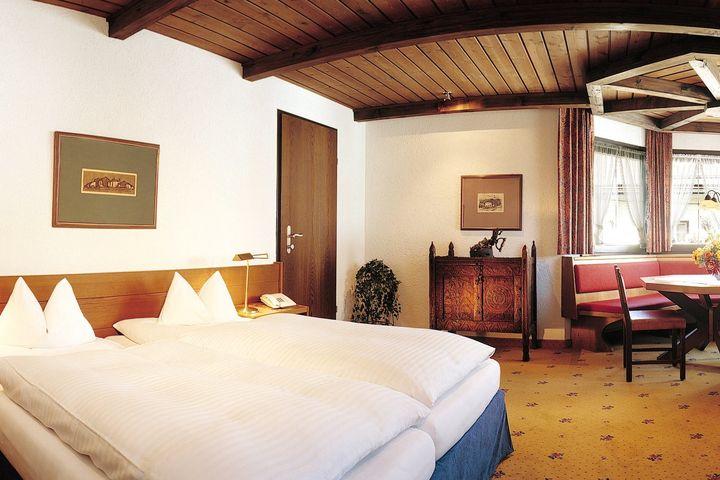 Doppelzimmer Du/WC (30 - 32 m²), ÜF