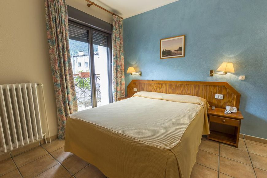 Double room, shower/wc, BB